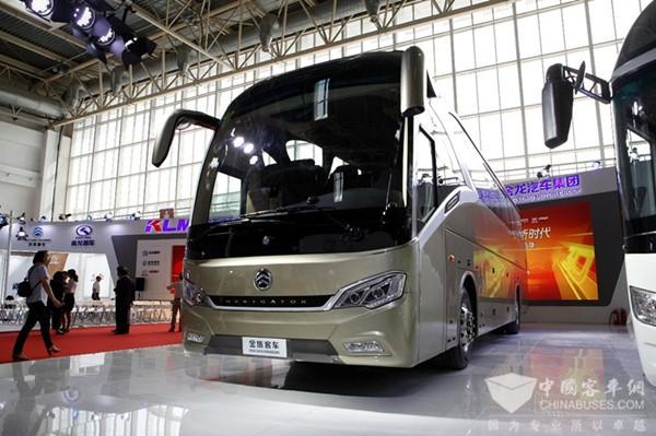 Golden Dragon представили два новых автобуса: роскошный автобус класса XL6112 Triumph и XML6129J15 Navigator