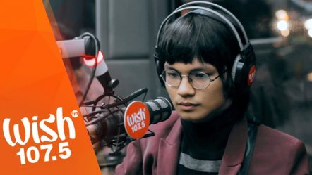 IV of Spades perform «Mundo» LIVE on Wish 107.5 Bus