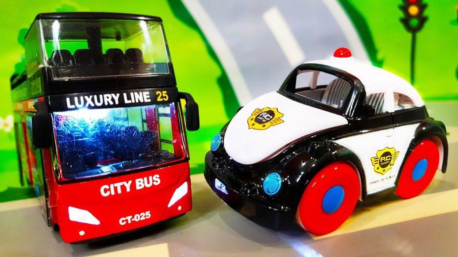 Мультики про машинки. Автобус попал в беду — Полицейские машинки спешат на помощь. Видео для детей