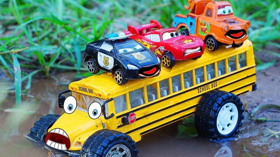 Disney Cars Toys McQueen Tayo the Little Bus   School Bus Traffic Accident   CarToys Tv