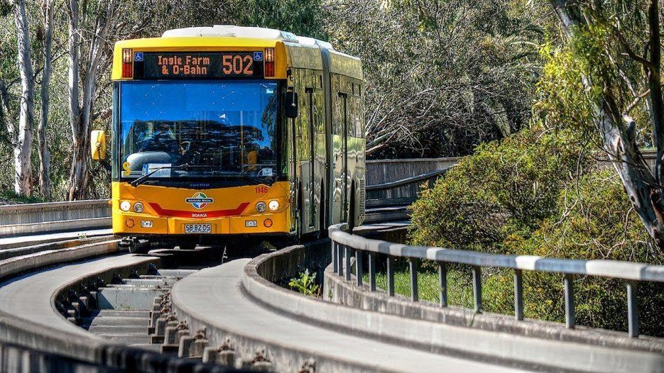 Скоростная трасса для направляемого автобуса по рельсовому принципу