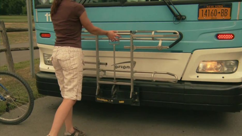 Using the Bus Bicycle Rack