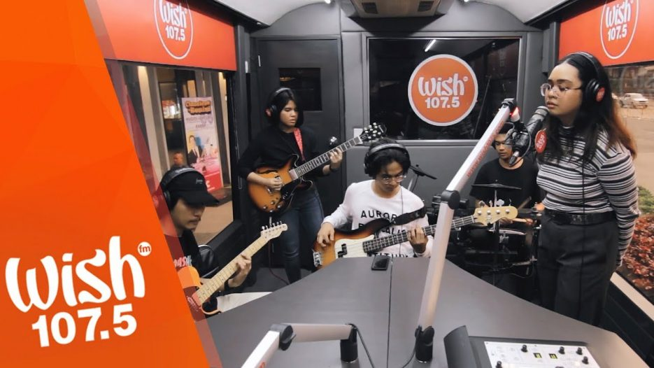 Sleep Alley performs «Di Naging (Tayo)» LIVE on Wish 107.5 Bus
