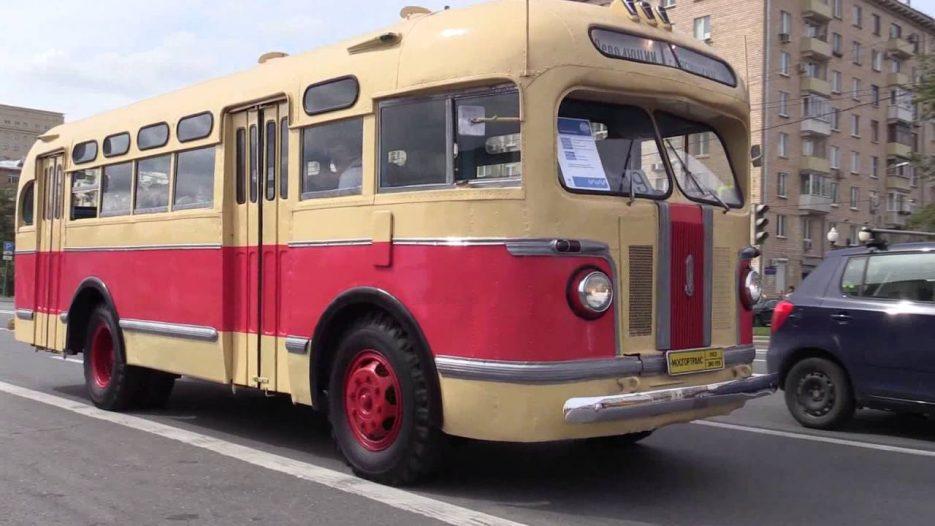 Ретро-автобусы в Москве (Лиаз 677 — звук бутылок)