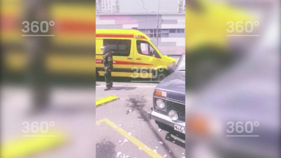 Автобус врезался в столб на юге Москвы