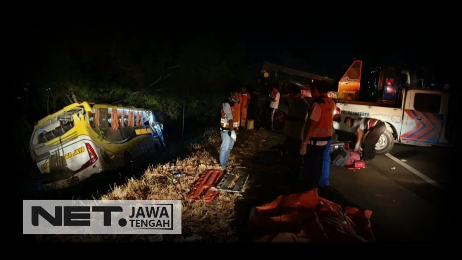 Duka Keluarga Korban Kecelakaan Bus di Tol Pejagan Brebes — NET JATENG
