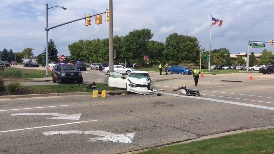 3 teens injured in crash with Rapid bus