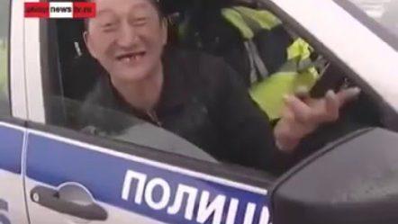 Интервью пьяного  водителя из Курганской области, РФ. Обе тапочки слетели