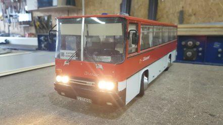Курганец сделал точную модель автобуса, который водил его отец