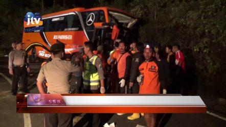 MAGETAN — Bus Tabrak Tebing Di Jalur Sarangan, Dua Tewas