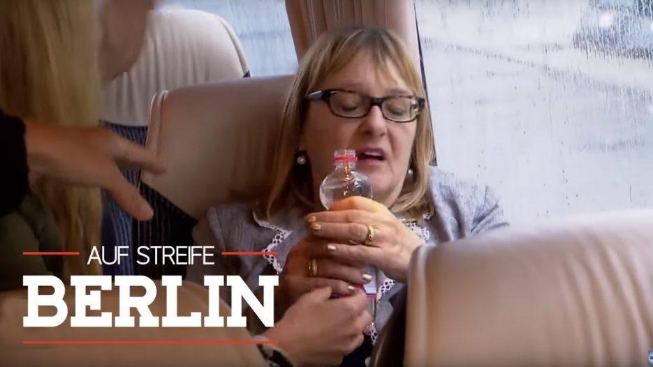 Touristen im Hitze-Bus — warum lässt der Fahrer die Heizung laufen   Auf Streife — Berlin   SAT.1 TV