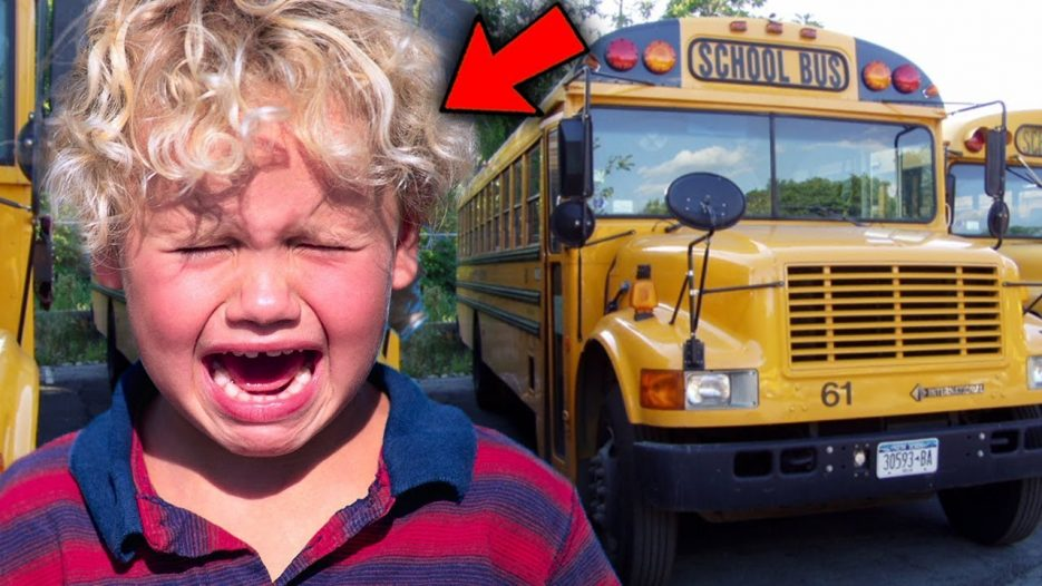 Top 5 FREAKOUTS ON THE SCHOOL BUS!