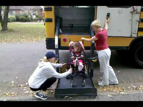 Lillian gets off bus 435