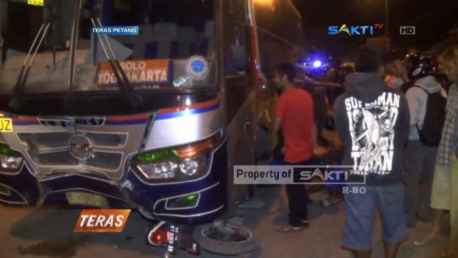 NGAWI — Sopir Bus Ugal Ugalan, Tabrak Pengendara Sepeda Motor Hingga Tewas