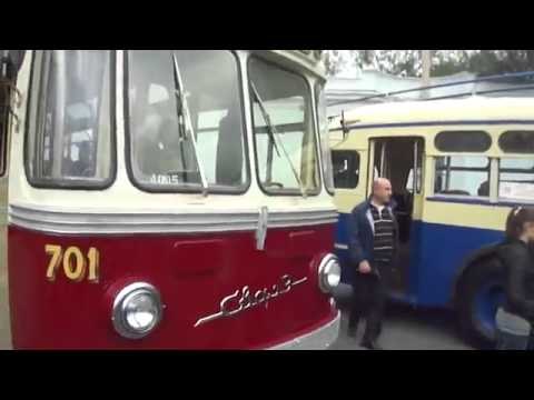 Парад ретро-автобусов на День города. Москва