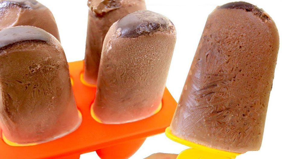 DIY Chocolate Milk Stick Ice Cream Tayo the Little Bus Sand Play with Toy Learn Colors for Kids
