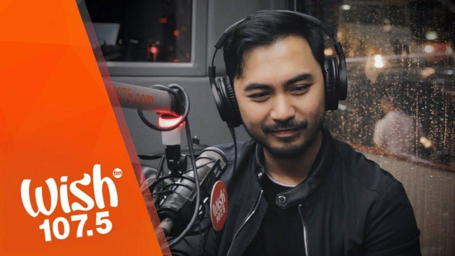 Mark Carpio performs «Ako Na Lang Sana» LIVE on Wish 107.5 Bus